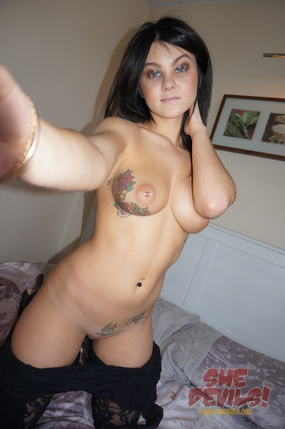 Alternative tattooed busty gf gets assfucked