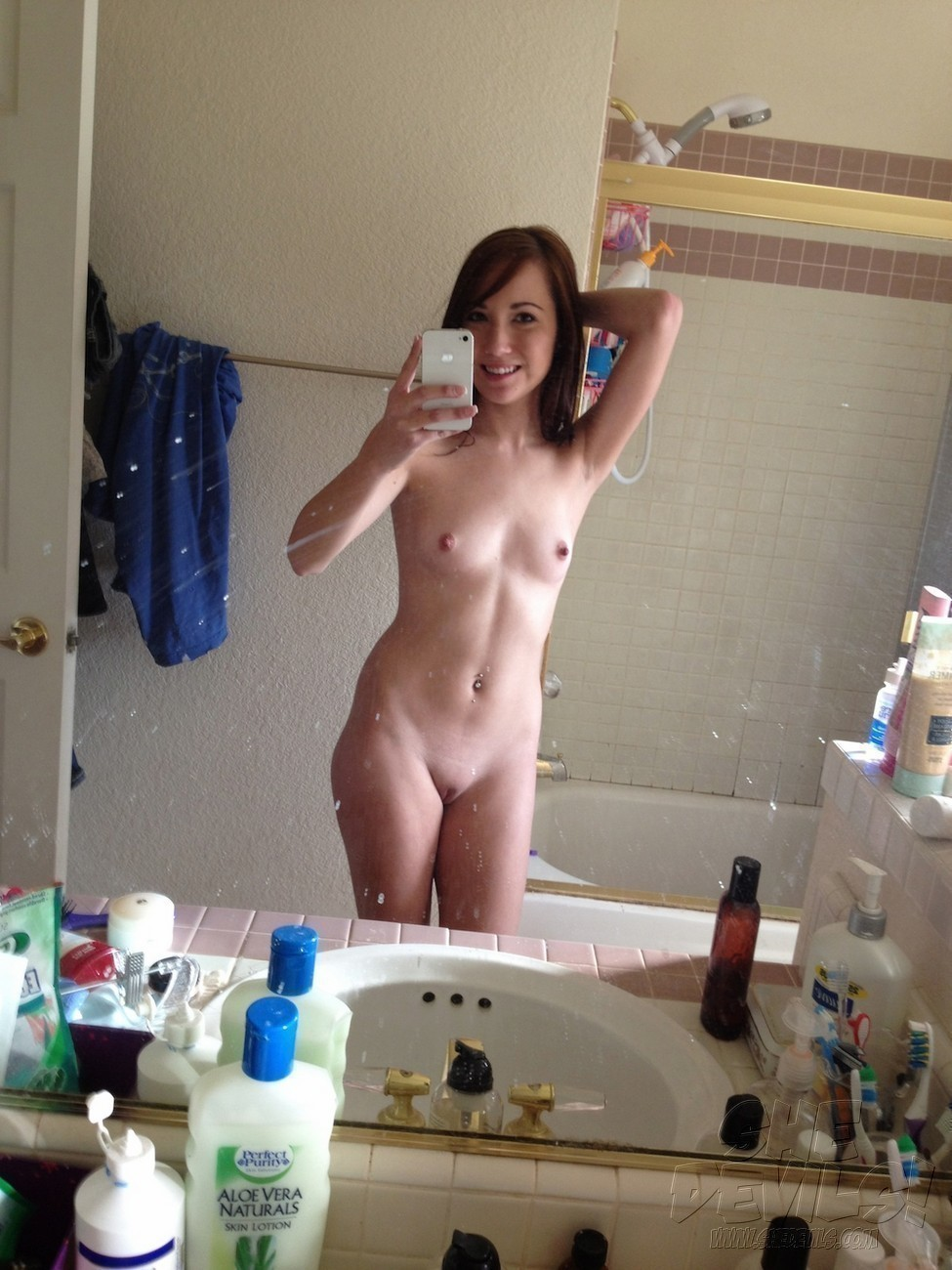 nude self pic embarrassed