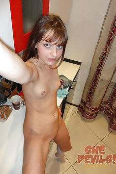 Hot pics of some skinny Russian gf naked