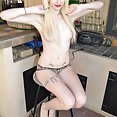 Rowdy looking emo girl goes naked outdoors - image control.gallery.php