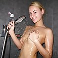 Skinny blonde GF showers - image control.gallery.php