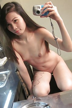 Asian girl shows off cute nude mirror selfies