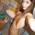 Petite and cute gymnasts body on Mia - image control.gallery.php