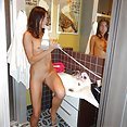 Selfies on the bathroom - image control.gallery.php