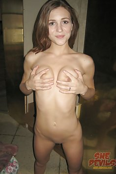 Skinny and naked red headed babe Kasey