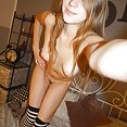 Perfectly blonde and green eyed Kira poses nude - image control.gallery.php